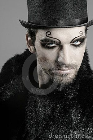 Google Image Result for   wwwgothic-culture/images/stories - maquillaje de vampiro hombre