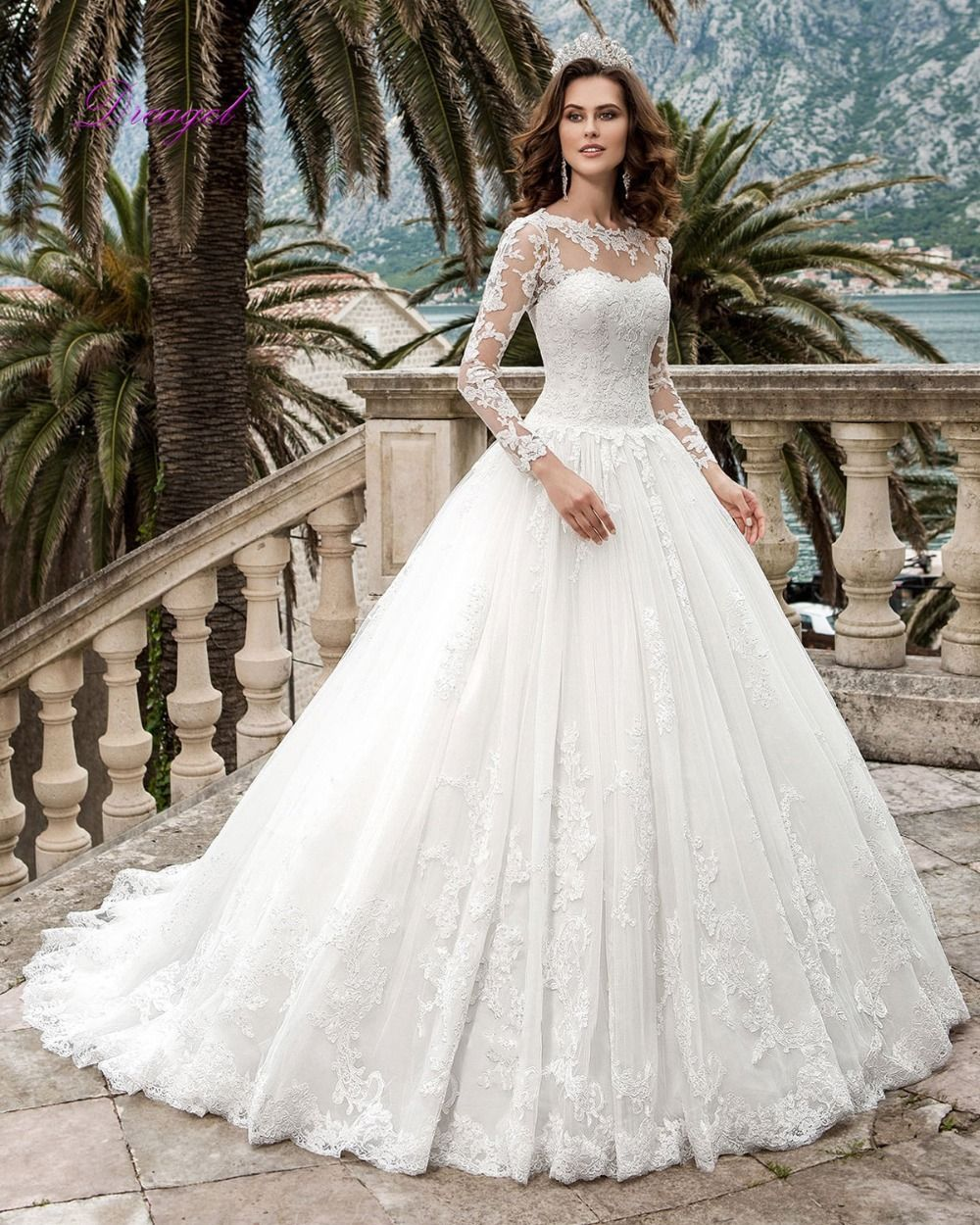 Dreagel romantic oneck long sleeves ball gown princess wedding