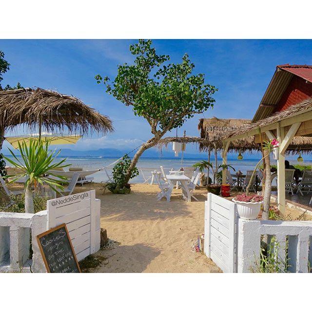 """Life is better barefoot . Welcome to my favorite beach bar in Nusa Lembongan . #nusalembongan #indonesia"""