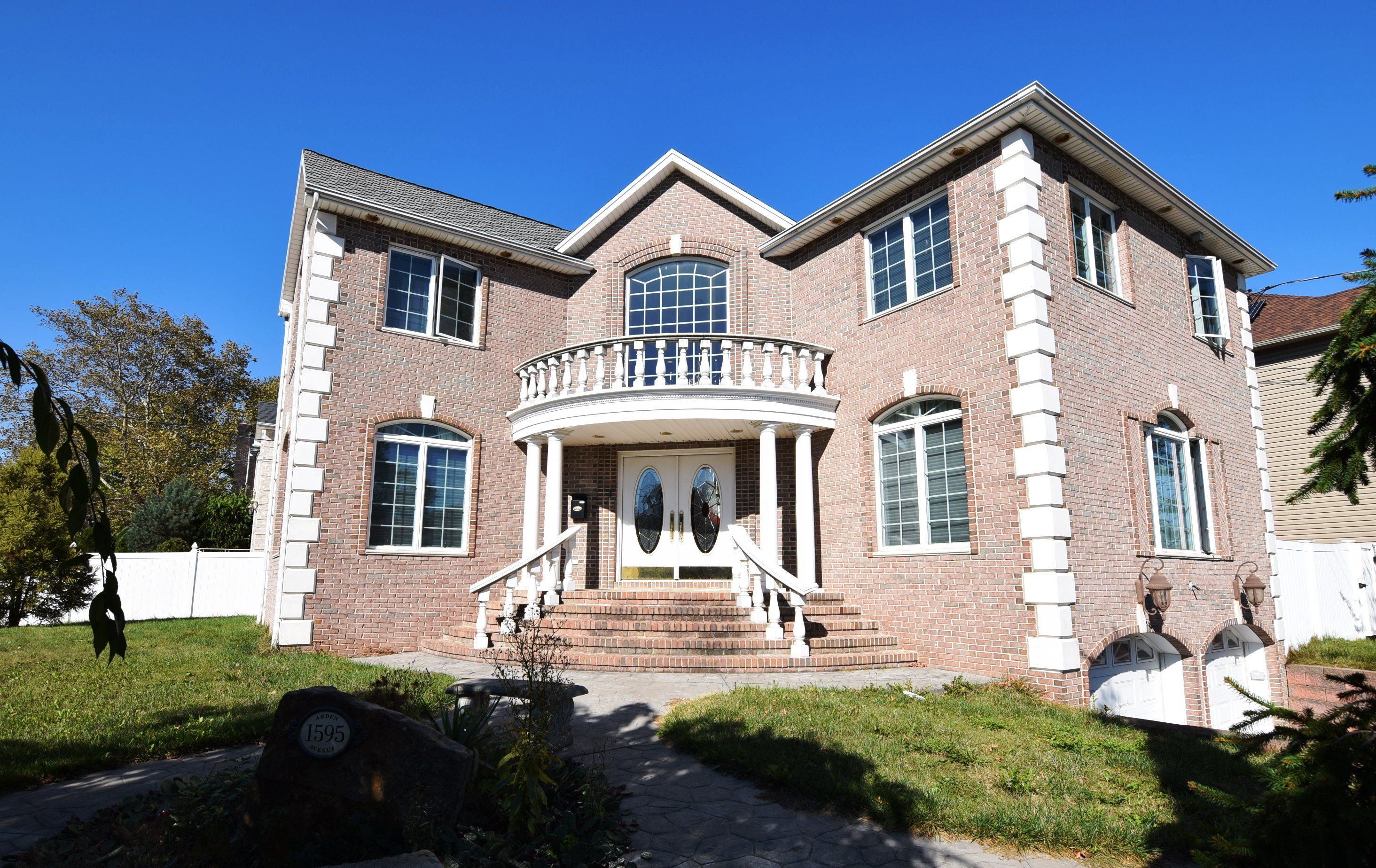 SE Annadale Magnificent center hall colonial home