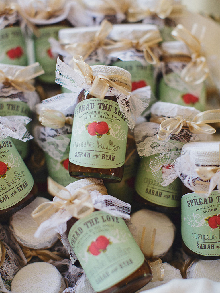 10 fall wedding favor ideas your guests will love lembrancinhas 10 fall wedding favor ideas your guests will love junglespirit Gallery