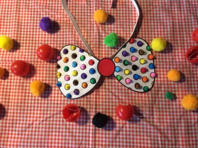 Een clownsstrik voor carnaval knutselen