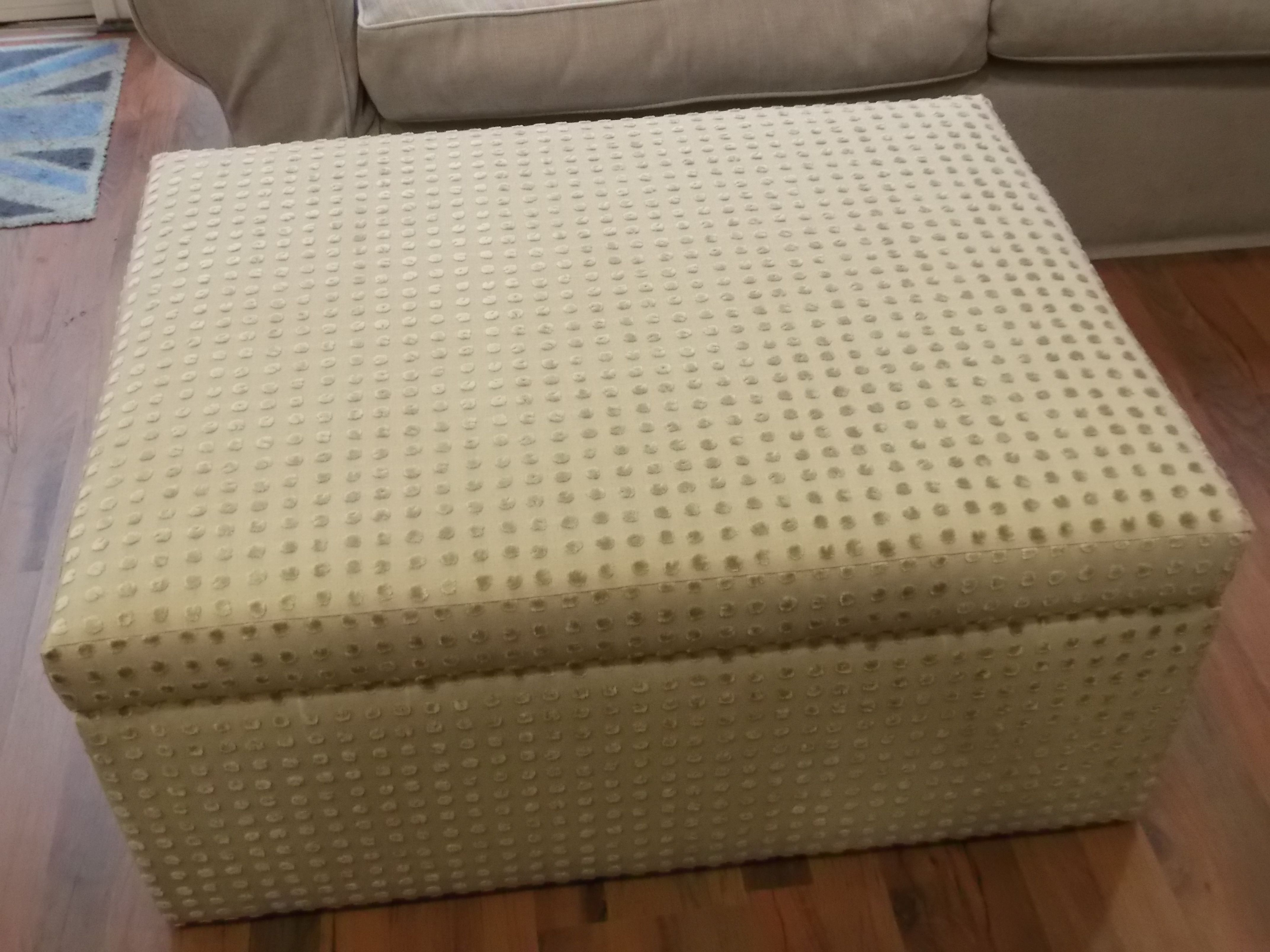 90 cm x 70 cm clutterbox / storage footstool which may