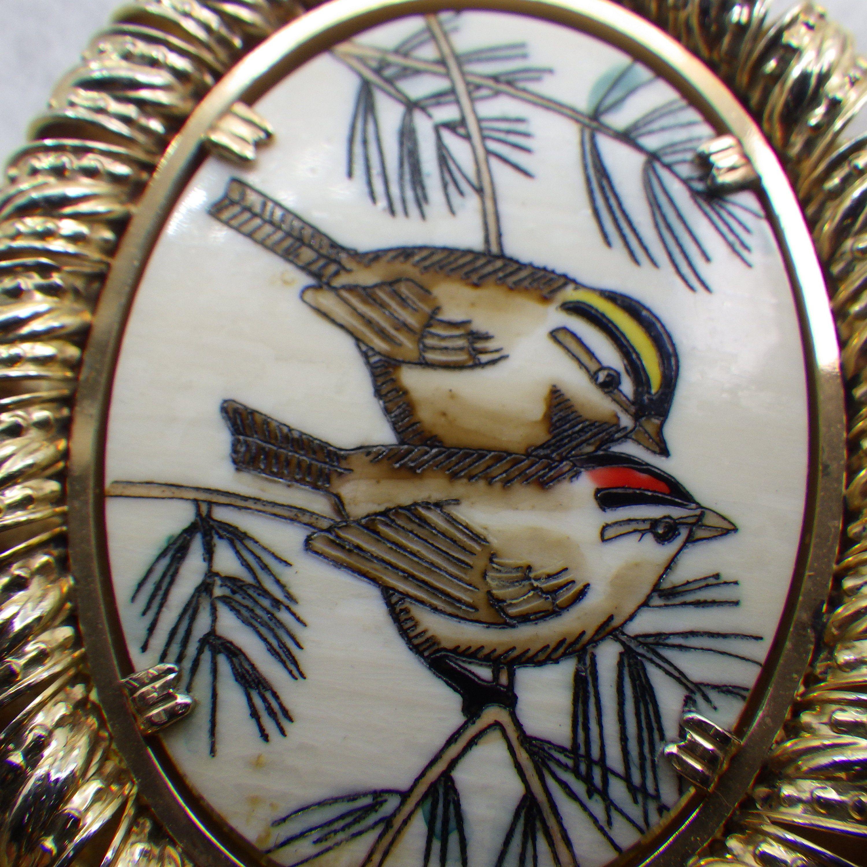 Vintage Scrimshaw Pendant Necklace 1950s Two Birds Hand