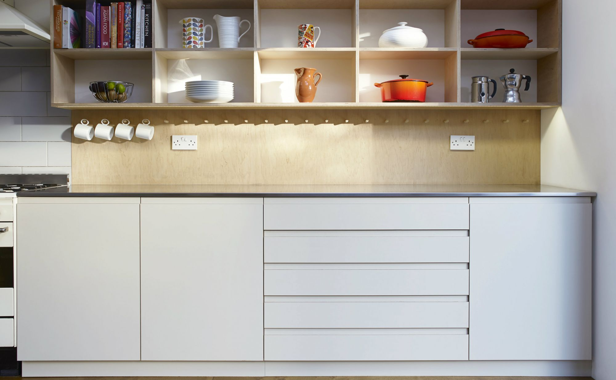 White Kitchen Cabinets And Drawers With A Finger Pull Detail Kitchen Cabinets Kitchen White Kitchen Cabinets