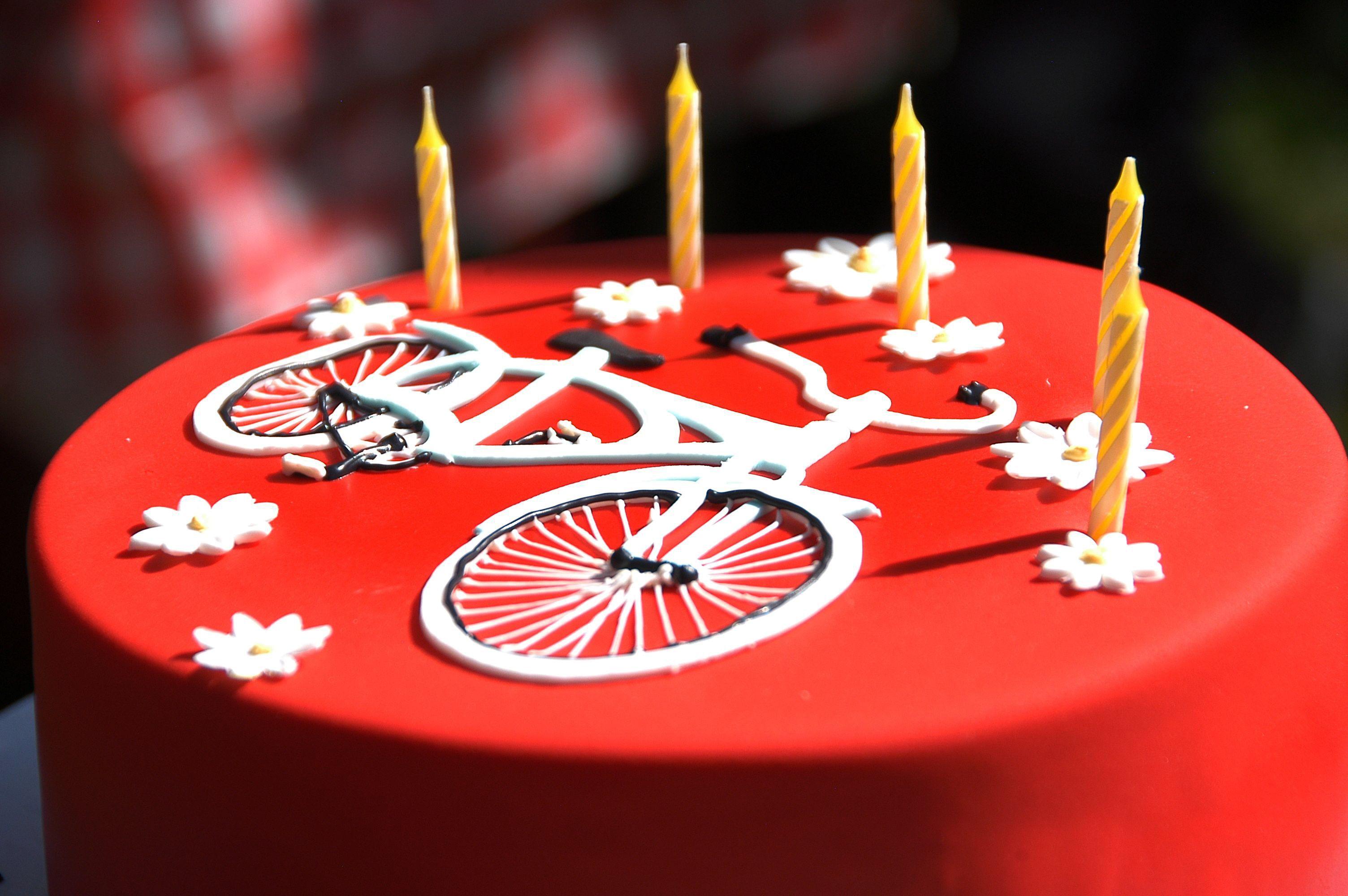 Beautiful Bike Themed Birthday Cake Awesome Cycling Pinterest