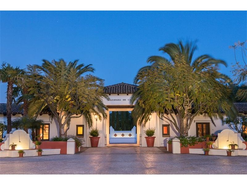 Hacienda De La Paz A Luxury Home For Sale In Rolling Hills California 5131 Christie Mansions California Homes Luxury Real Estate