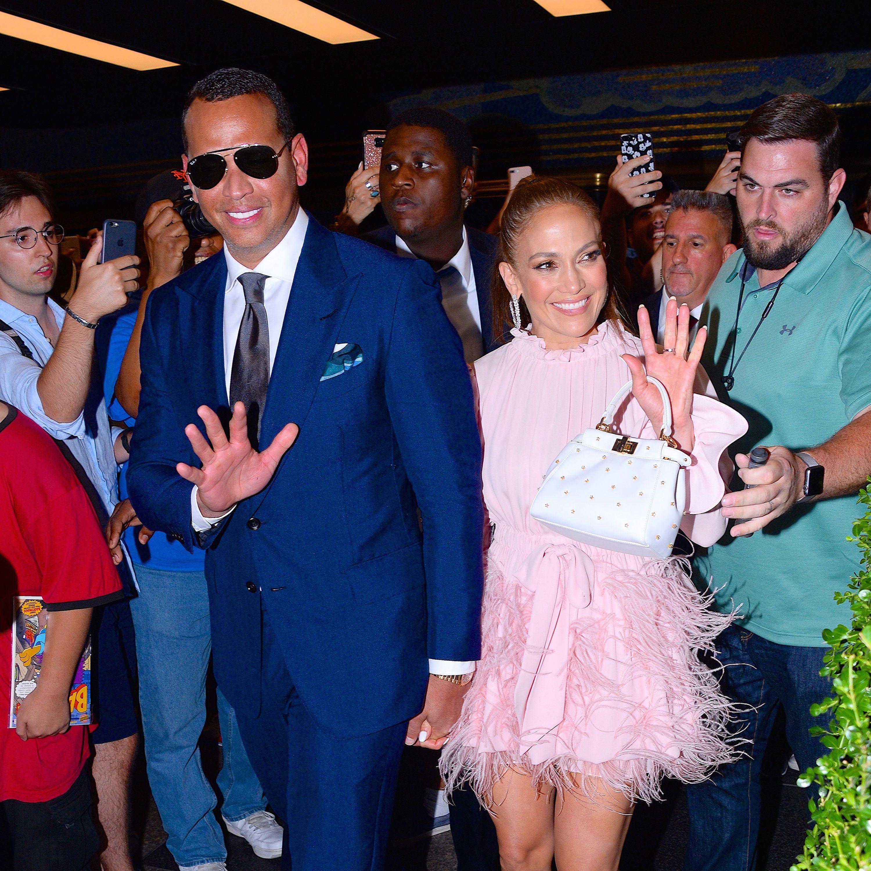 face13ace419 Jennifer Lopez with the Fendi Peekaboo XS.
