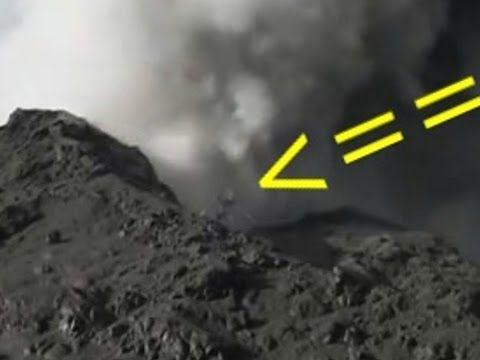 Aparece extraña criatura en crater del Volcan Calbuco 2015 - YouTube