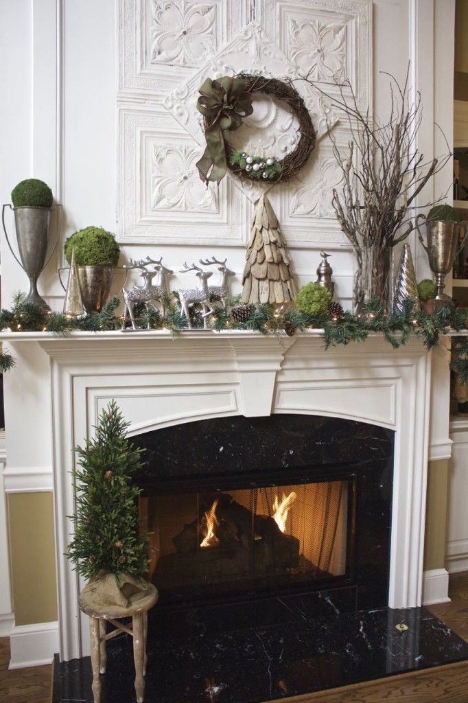 20 insanely gorgeous christmas mantel ideas you need to - Modern christmas mantel ideas ...