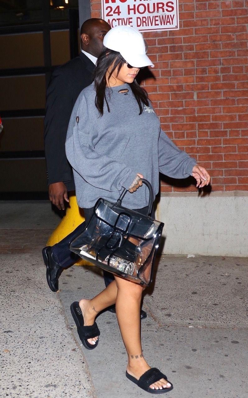 11afd1748 October 19: Rihanna leaving a photoshoot in NYC. | Rihanna | Rihanna ...