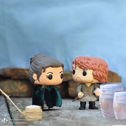 """""""And when will be the proper time?"""" """"You tell me, Sassenach. You're the one from the future."""" _ #outlander #outlanderseries #outlanderstarz #jamiefraser #clairefraser #funko #funkopop #popvinyl #popvinyls"""