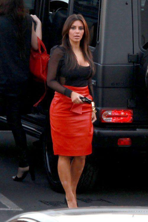 Smoking red leather skirt #Balenciaga #Kim Kardashian | Styling ...