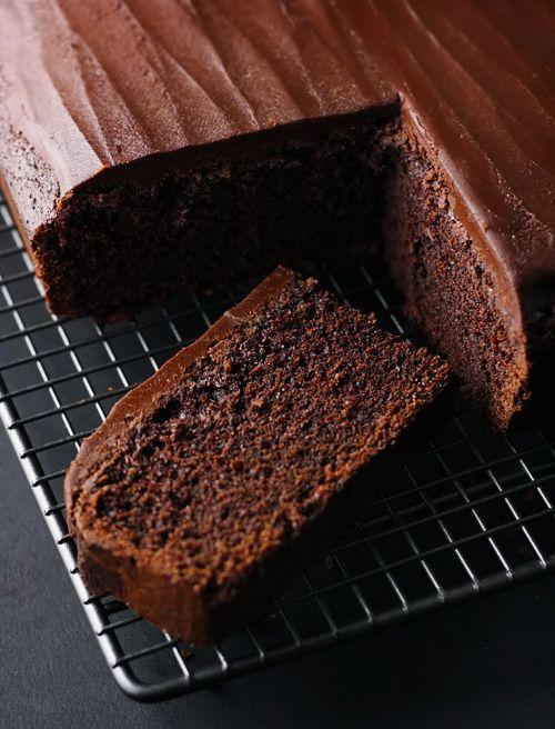 one bowl, super easy chocolate cake.