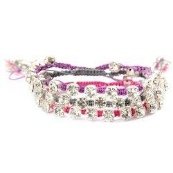 Buy Kleshna Chaton Bracelet Kit from CreateAndCraft.tv