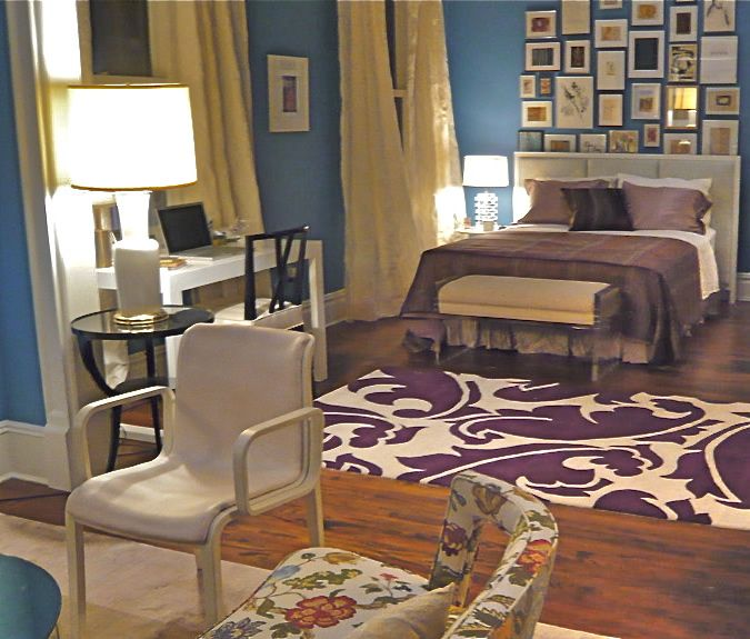 I Love The Accent Table With The Lamp In The Doorway Between Rooms Could Possible Find A Pla Contemporary Bedroom Carrie Bradshaw Apartment Home Decor Bedroom
