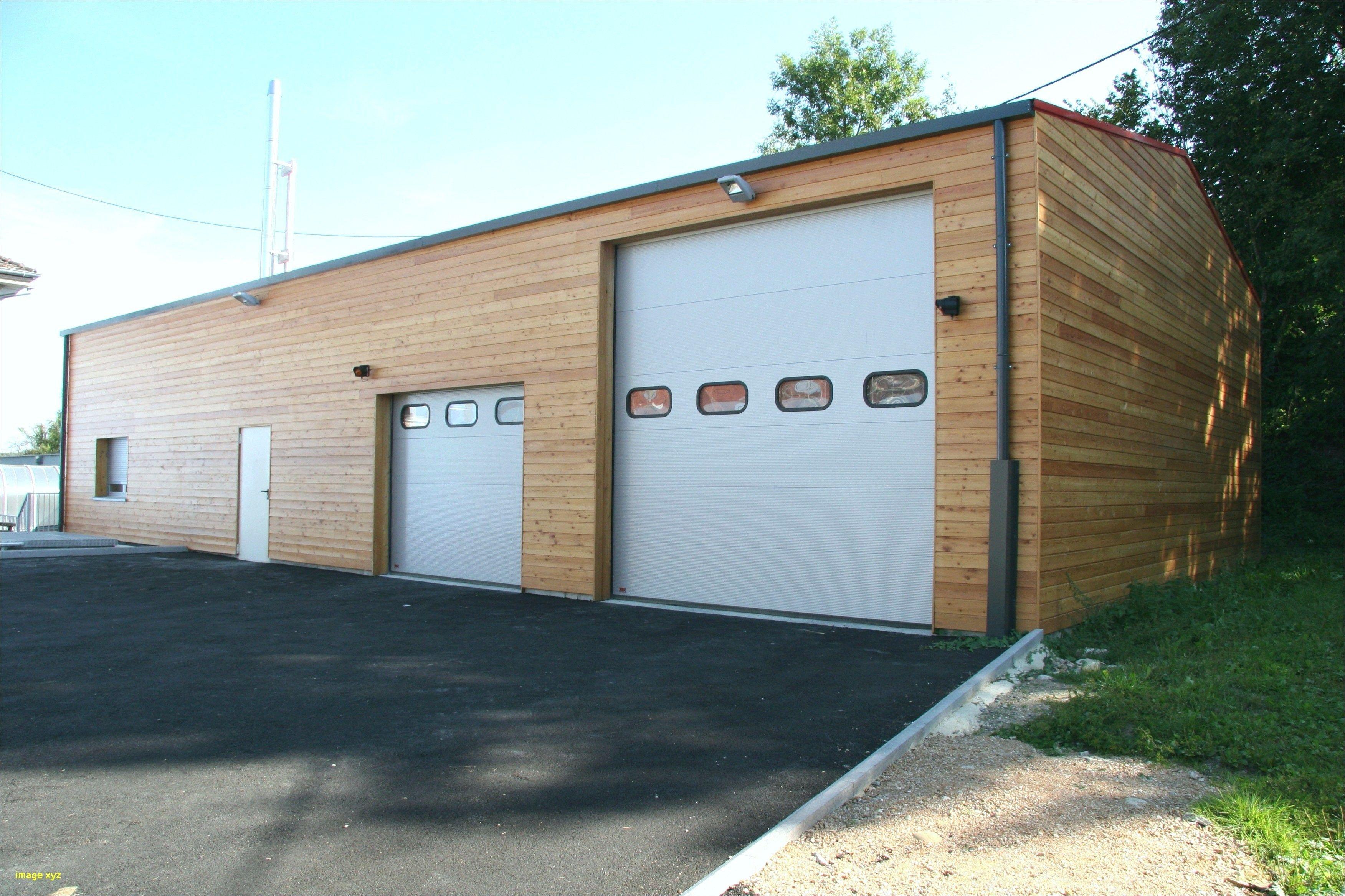Garage Bois Ou Parpaing Construire En Un Et En 2020 Plan Maison Contemporaine Maison Contemporaine Plan Maison