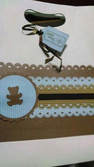 Detalhe da sacola com as lembrancinhas