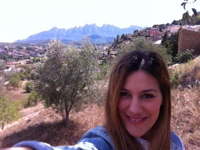 Saliendo a tomar un café, pero no sin antes desearte las montañas de Montserrat y yo... Buenas tardes!!! #montserrat #estoesvida #vidalazy