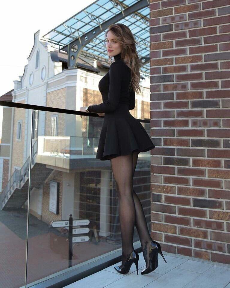 What a cute little black dress! Cute AND Sexy. 752ebb4c9dab7