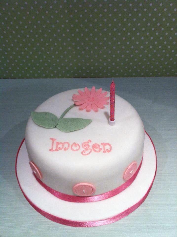 Girls 1st birthday cake wwwporshamcouk Girls birthday cakes