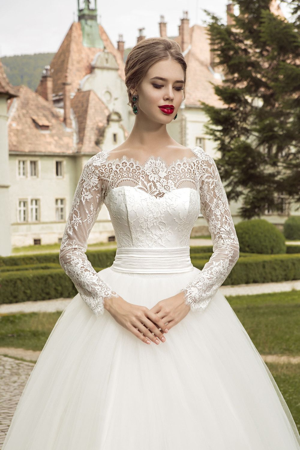 Home My Wedding Ideas Long Sleeve Ball Gown Wedding Dress Bridal Gown Tulle Sweetheart Wedding Gown [ 1500 x 1000 Pixel ]