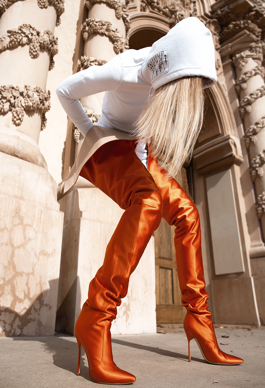 00042e59cf5 Vetements x Manolo Blahnik Orange Satin Boots   manoloblahnikheelsspringsummer  manoloblahnikboots