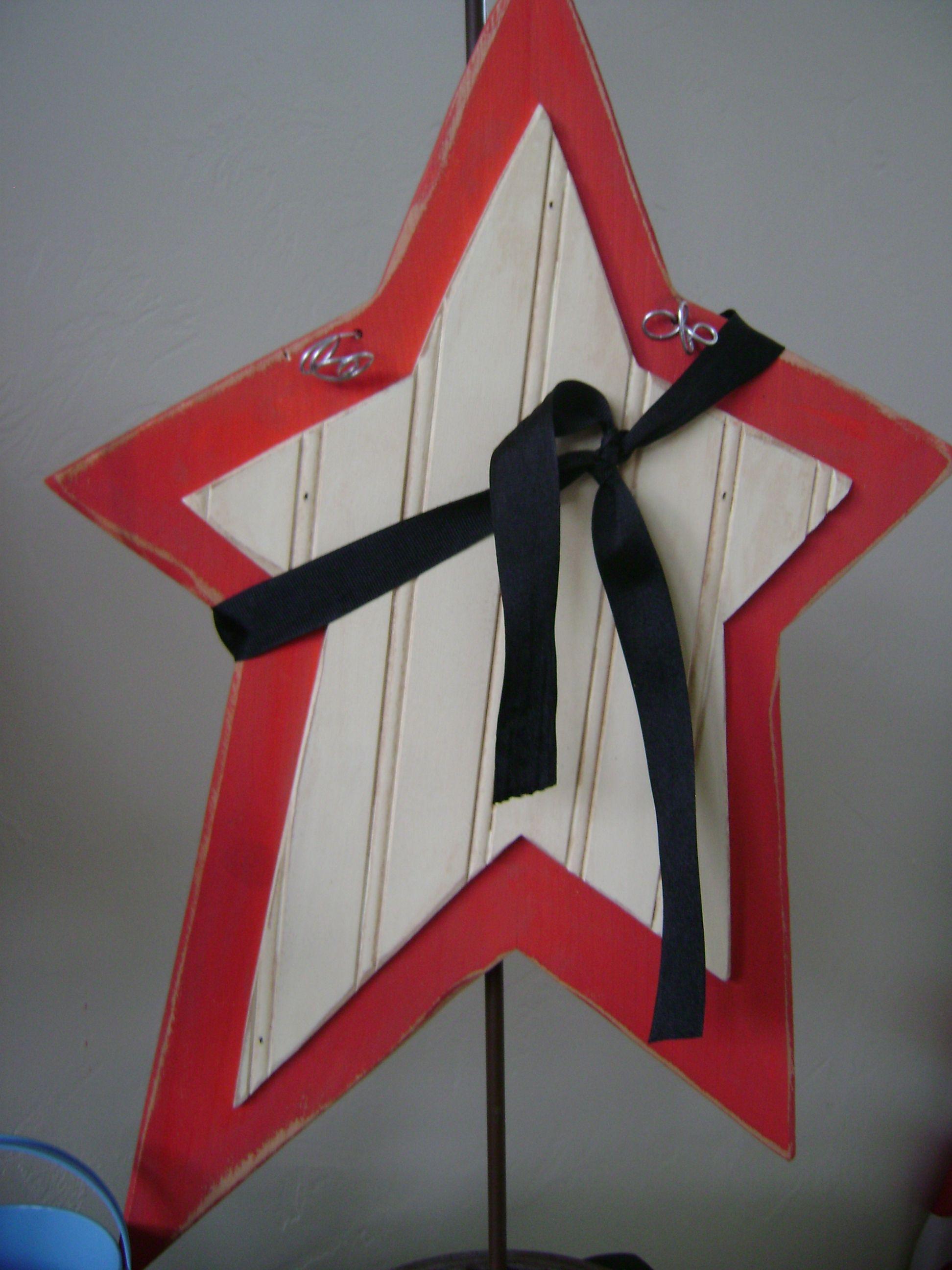 Beadboard 4Th Of July Star  Craft