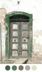 OLD DOOR – Beautiful old wooden door and weathered wall. Nic …