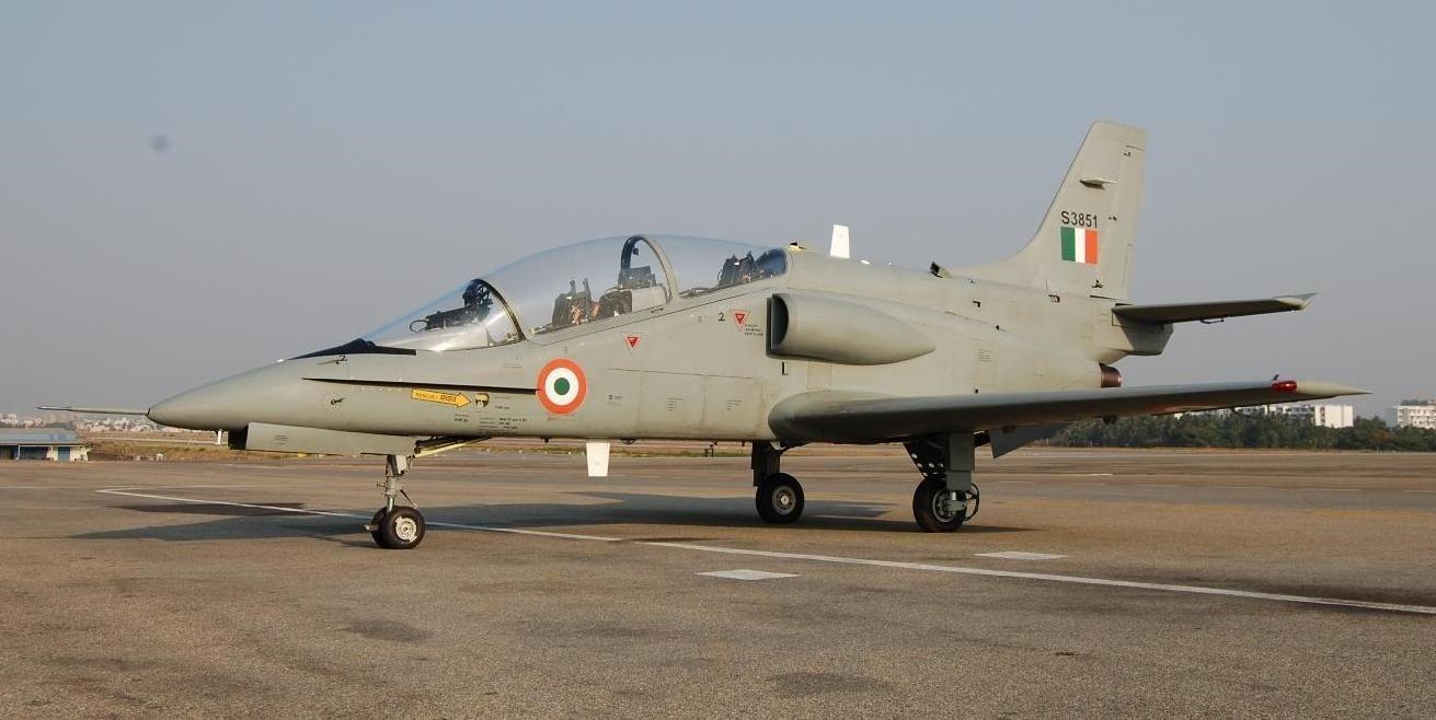 Junk HTT40 programme and fix intermediate jet trainer