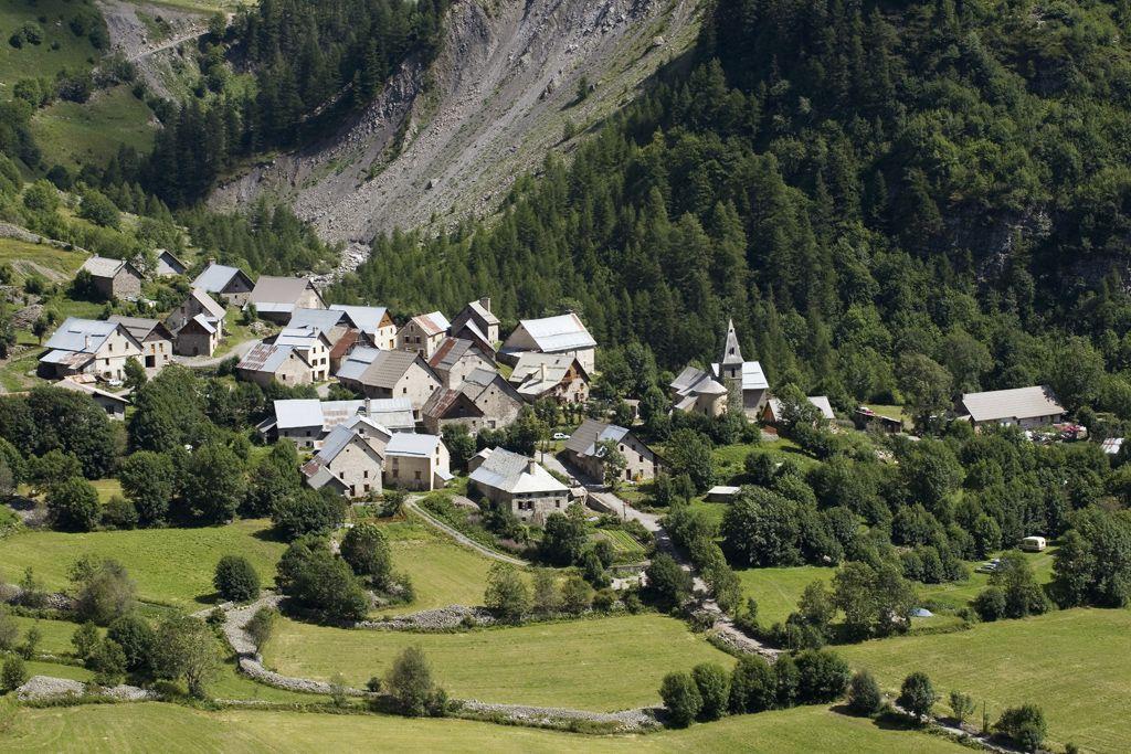 Le village de prapic dans le haut champsaur commune d - Office tourisme orcieres merlette 1850 ...