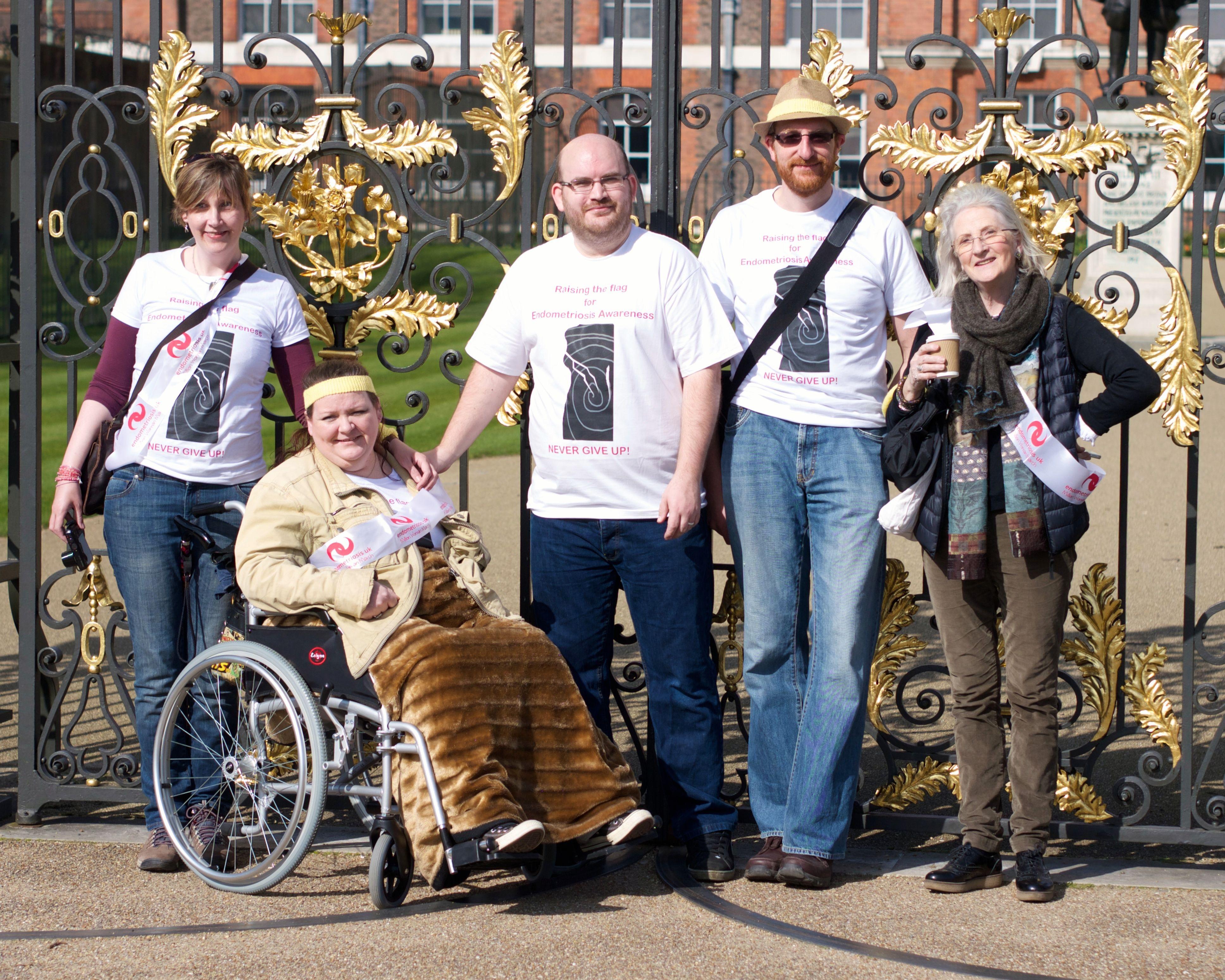 Antonia Boyton, Rachel Duffield, Keith Duffield, Lee Boyton and Tess Blondel all walking for Endometriosis Awareness