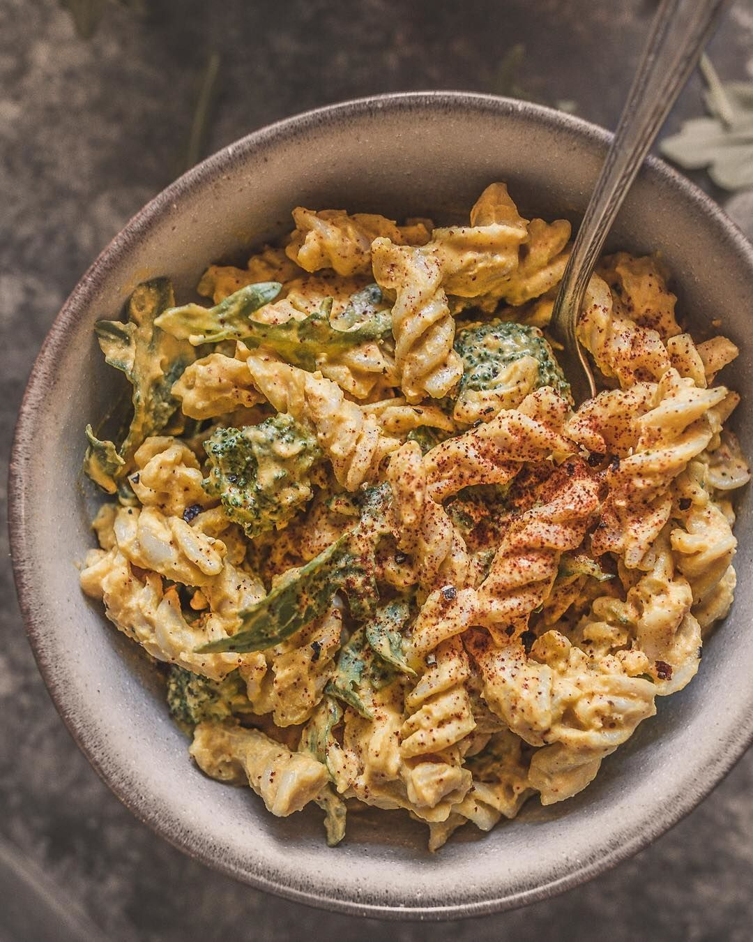 Pasta For Dinner Here S A Vegan Mac Cheese With Cashew Cheese Sauce Ingredients 1 3 Cup Roasted Kabocha Squa Vegan Mac And Cheese Food How To Cook Quinoa