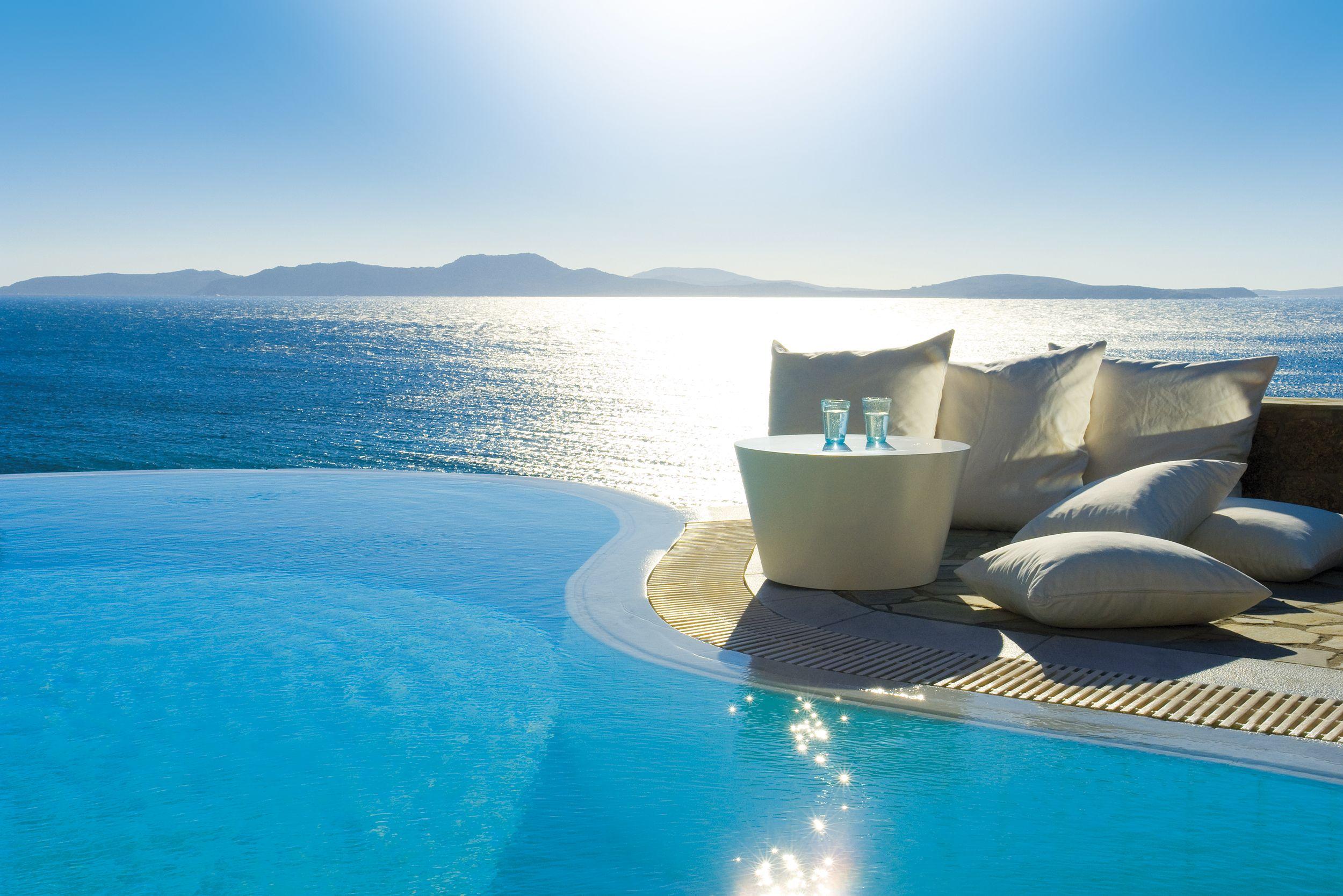 Infinity pool outdoors pinterest grand hotel mykonos and deep blue sea - Small infinity pool ...