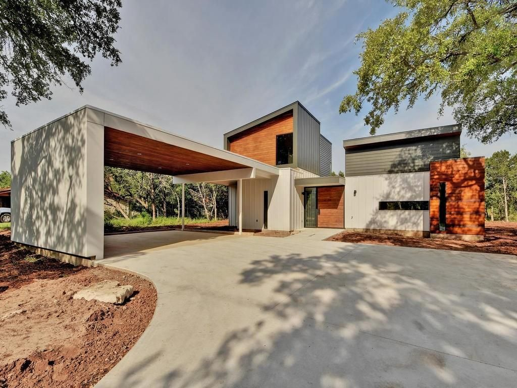 For Sale 489 900 Amazing Modern Home On Large 5 Acre Lot In Quiet Lake Travis Neighborhood Stunning Finishes Include Scor Modern House Austin Homes Modern