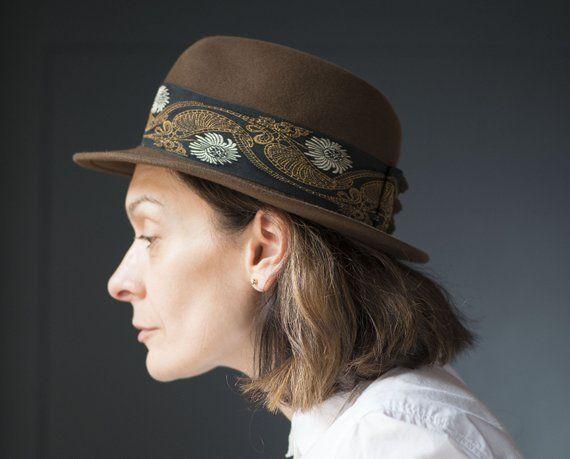 Brown floral fedora unisex Mayser. Vintage felt wool fedora. German fedora  retro. Fedora for women or teen. Very small head hat boho fedora e1a2a9eae2d7