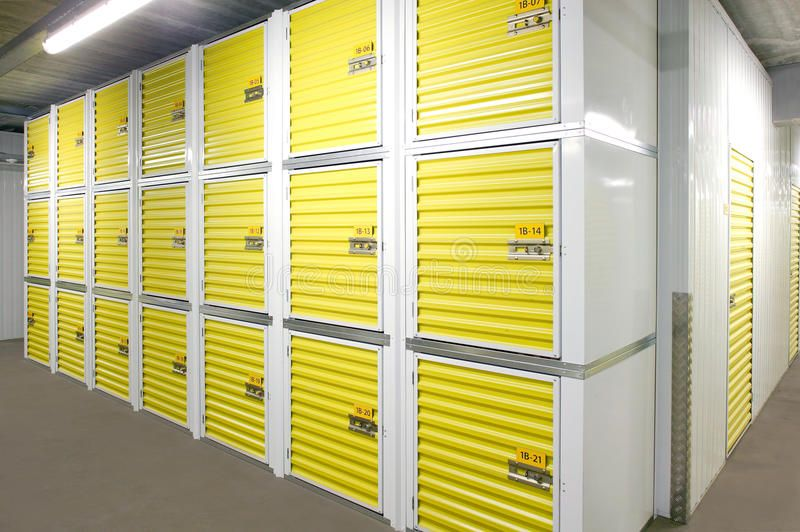 Self Storage Units A Perspective View Of Rows Of Small Storage Units With Close Spon Perspective Vi Self Storage Units Self Storage Storage Unit Rental