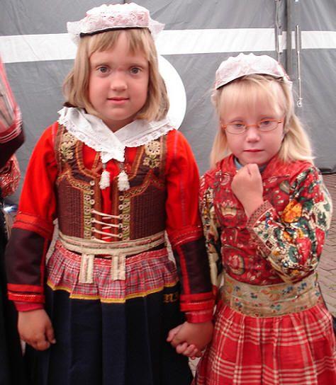 Marken girls #NoordHolland #Marken