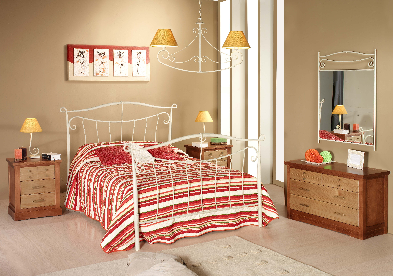 Dormitorio de forja y madera mod Midas fabricado a mano tonos de