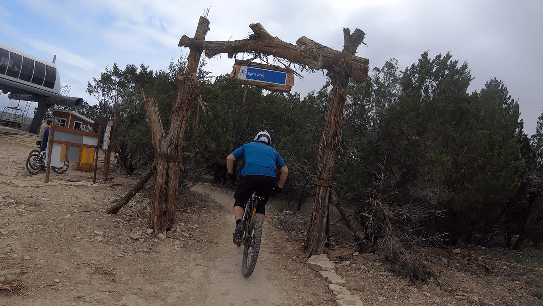 Ride Series 3 Bike Parking Mountain Biking Downhill Mtb