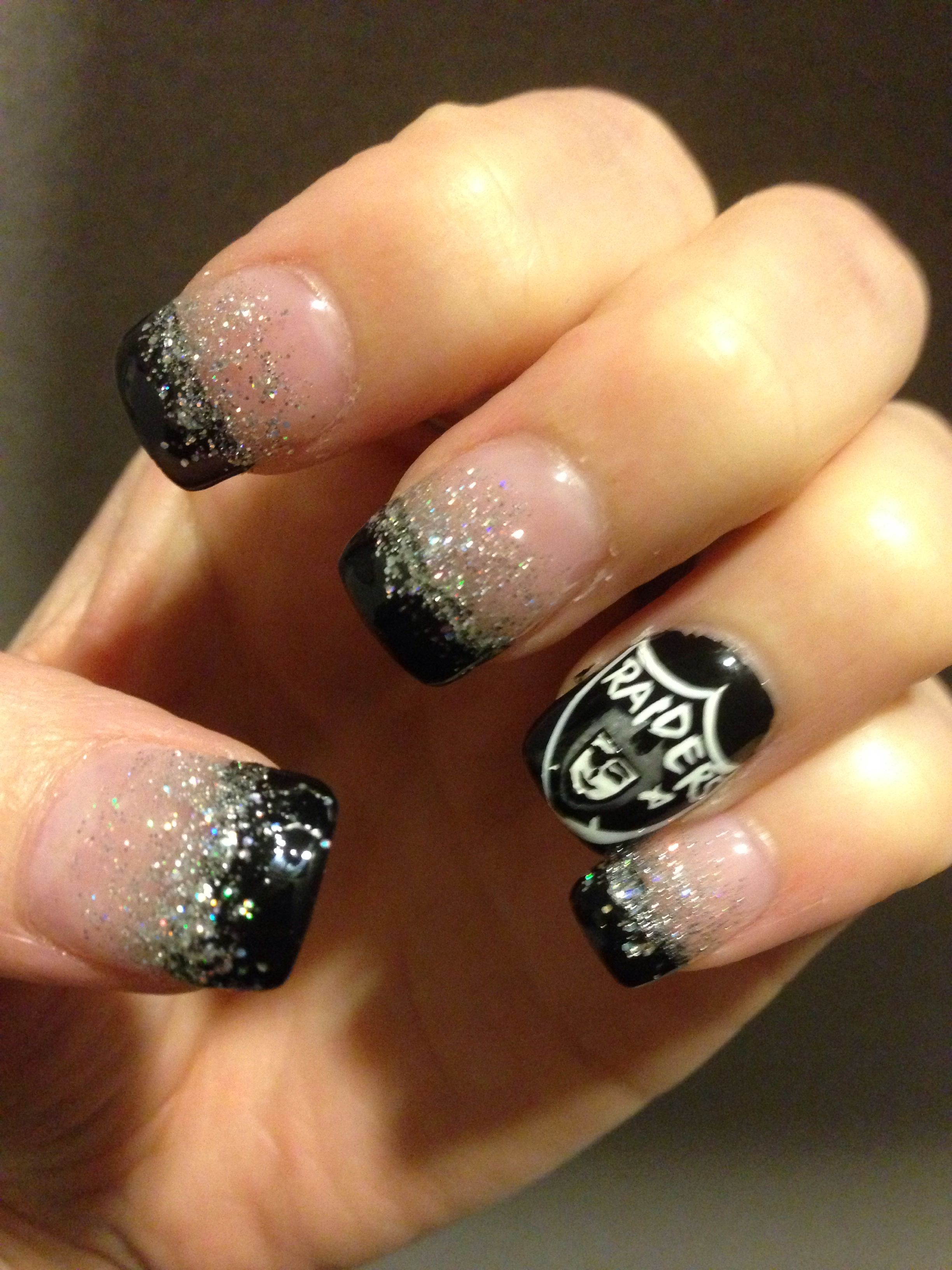 Oakland Raiders Nail Art