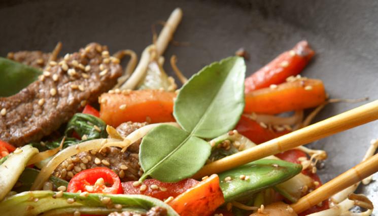 Manzo marinato alle verdure saltate e sesamo #ricetta #activia