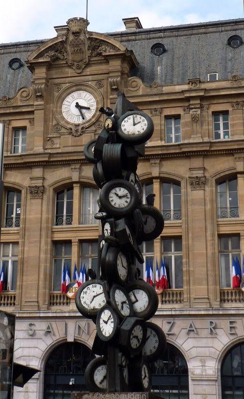 """** Octobre ** Concours Photo sur le thème """"Paris ville magique"""" Arman """"L'heure de tous"""" 1985"""