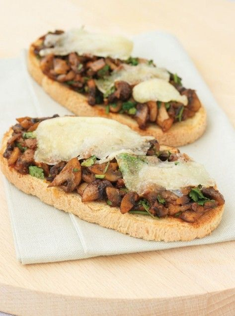 Mushrooms on Toast with Manchego Cheese recipes