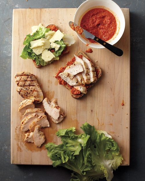 Smoky Bell-Pepper Pesto on Grilled Chicken Sandwiches | Whole Living