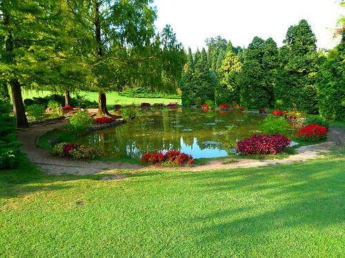Uno dei 18 romantici laghetti parco giardino sigurt for Laghetti nei giardini