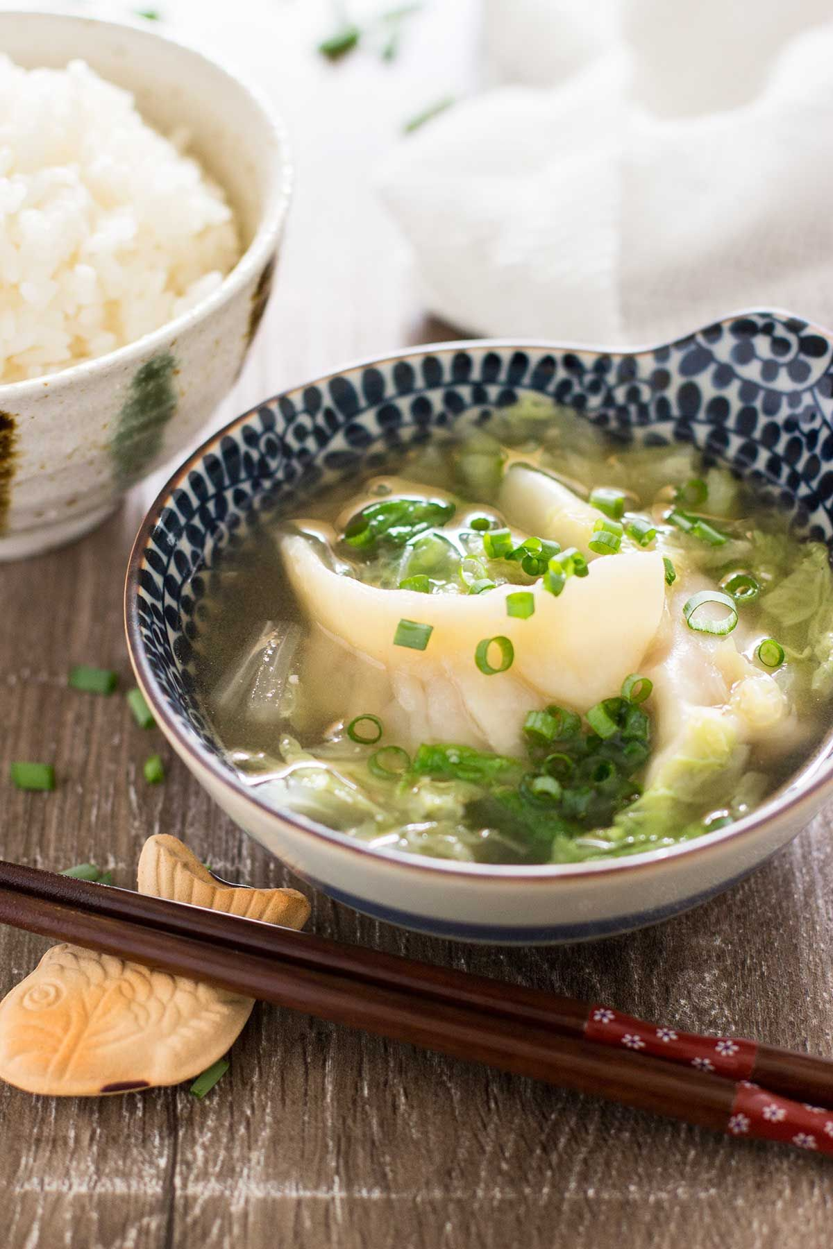 gyoza soup 餃子スープ chopstick chronicles recipe recipes asian dishes asian recipes pinterest