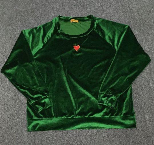 Lone Heart Velvet Pullover
