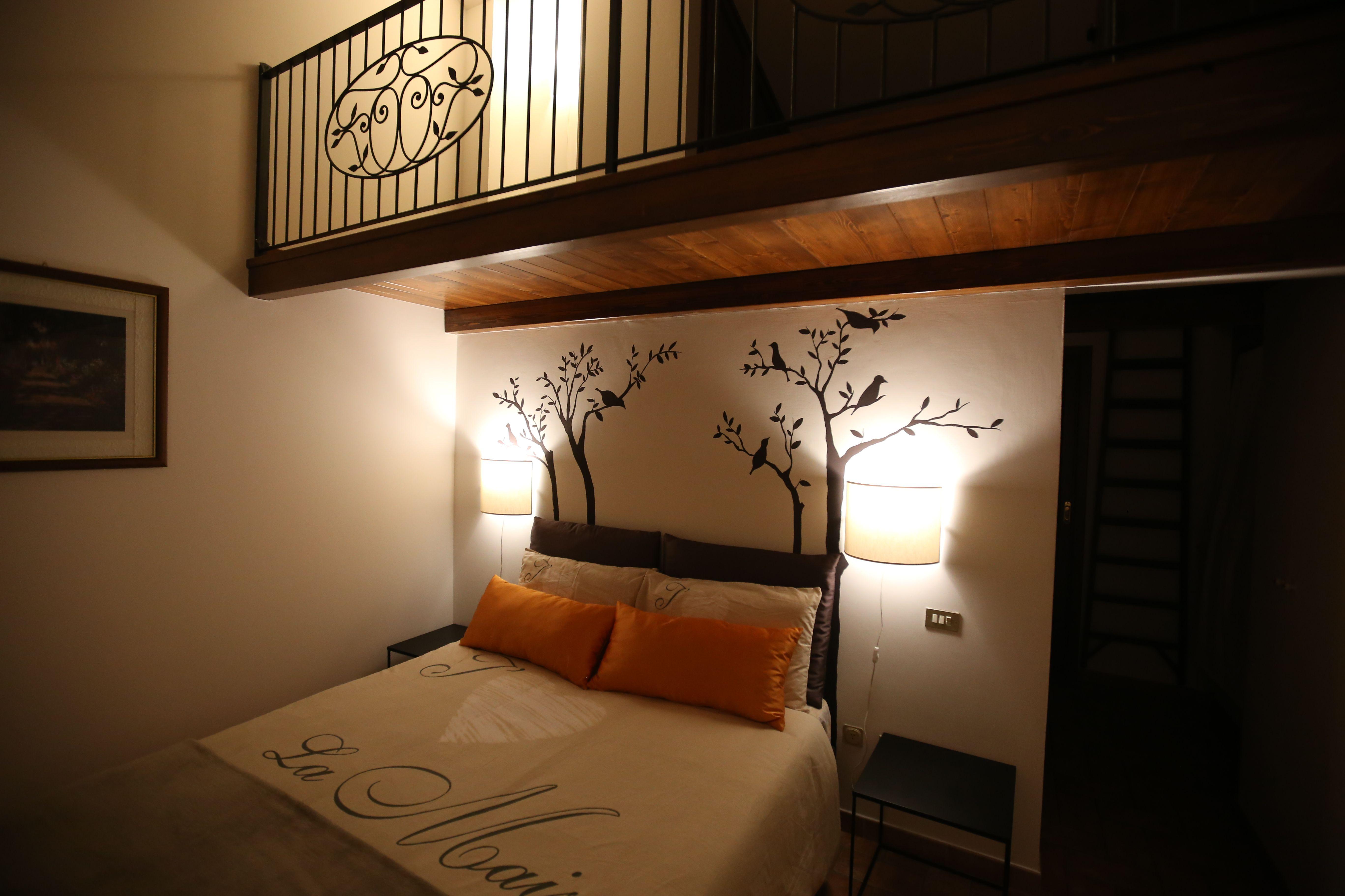 Finest decorazione a parete disegno alberi per testata - Parete testata letto dipinta ...