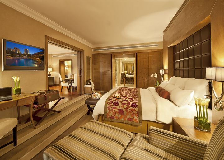 The Hotel Luxury Bedroom Master Luxury Hotel Room Luxurious